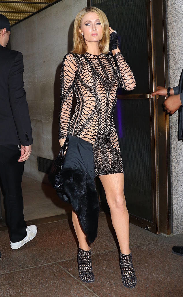 Paris Hilton Sexy Legs Pics
