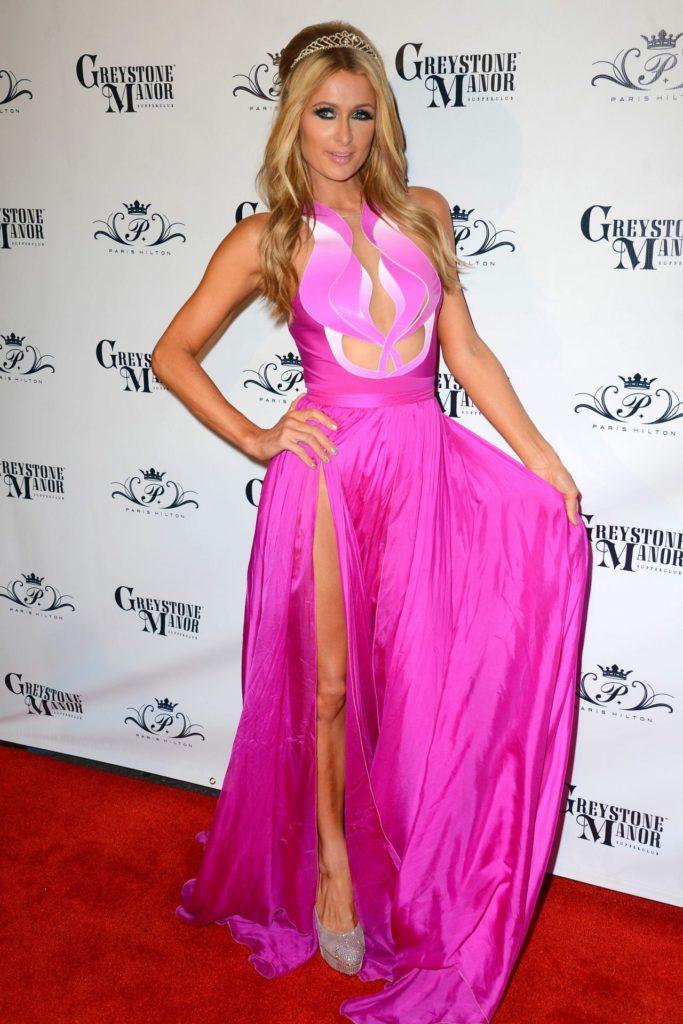 Paris Hilton Sexy Thigh Images