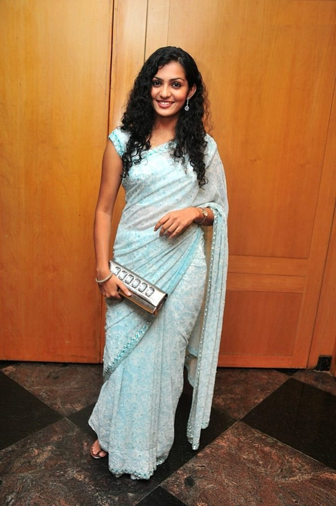 Parvathy Cutes Pictures In Saree