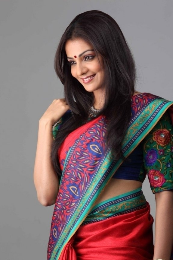 Parvathy Hot HD Sexy Pics In Saree