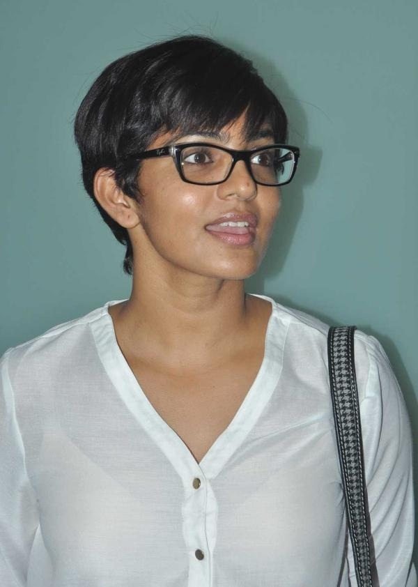 Parvathy Wallpapers