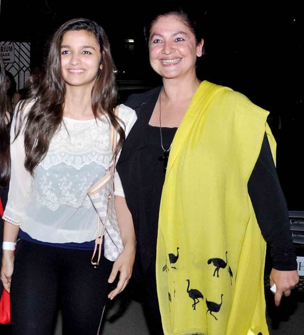 Pooja Bhatt Hot Images With Alia Bhatt