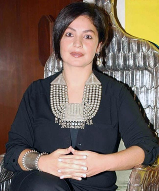 Pooja Bhatt New Wallpapers