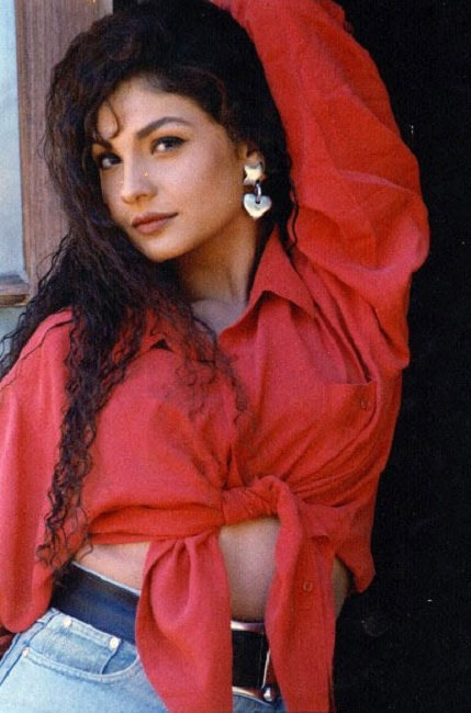 Pooja Bhatt Spicy Navel Pics In Jeans Top