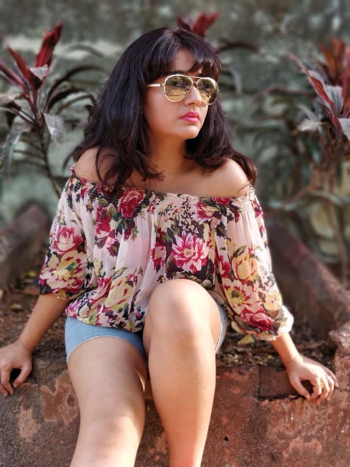 Poonam Bajwa Hot & Sexy Images In Bikini