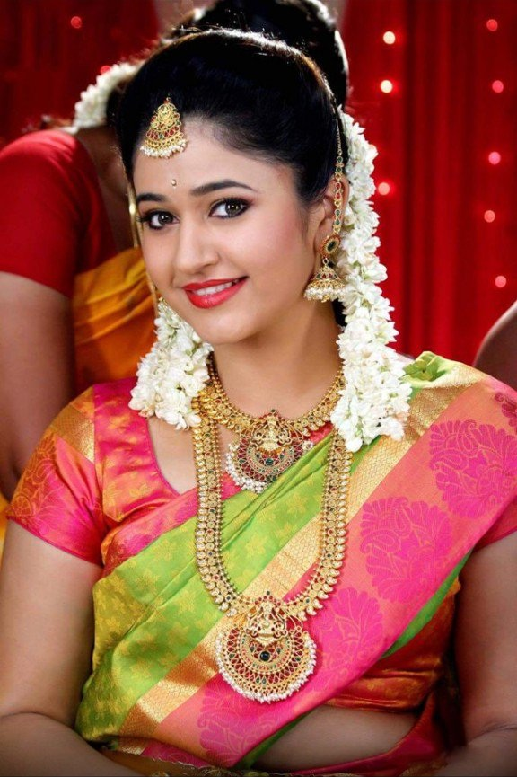 Poonam Bajwa Spicy Pics In Marriage Look