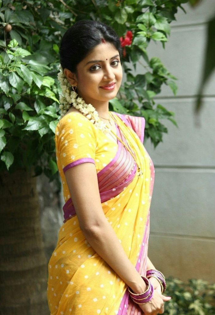 Poonam Kaur Cutes Wallpapers In Saree