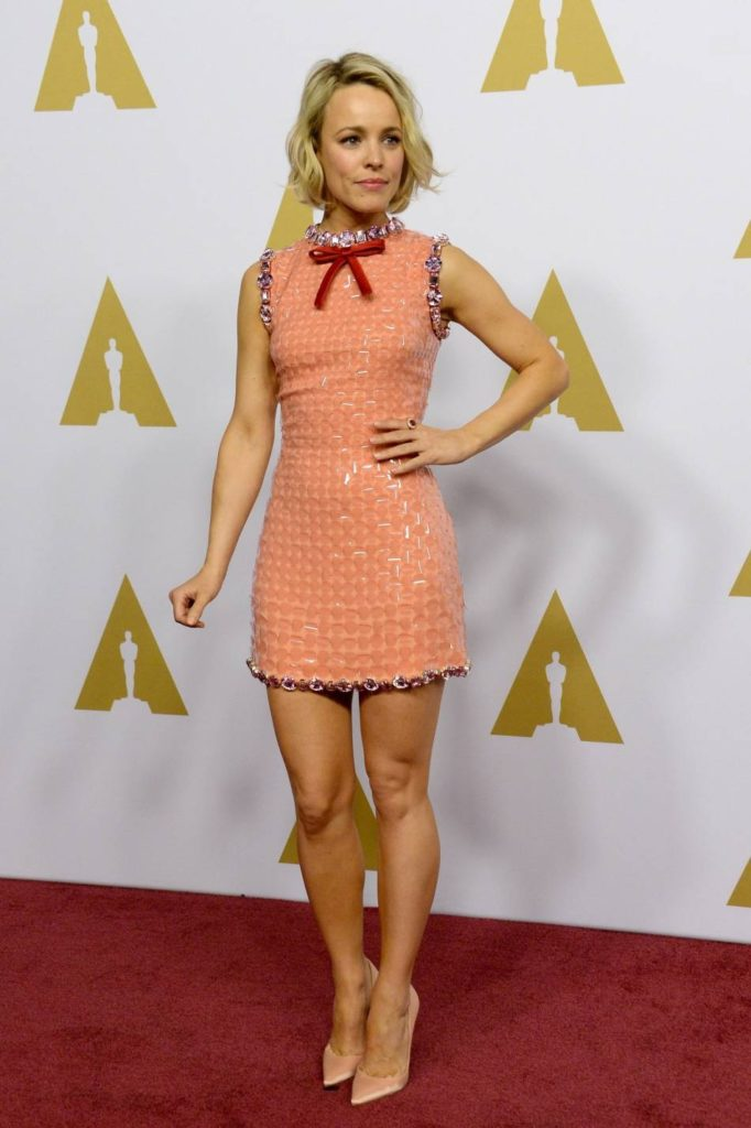 Rachel McAdams Sexy Legs Pics