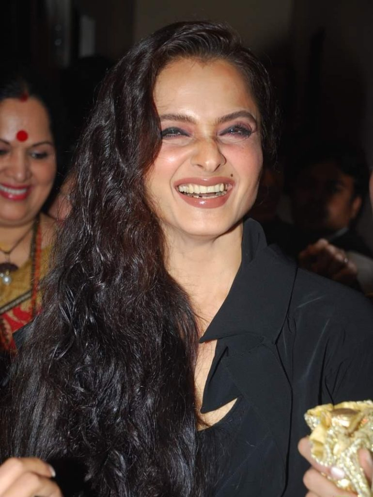 Rekha Smiling HD Pictures