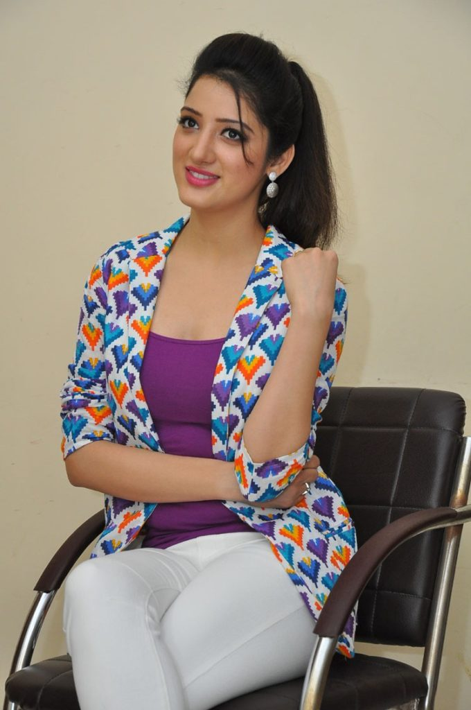 Richa Panai Bold Images In Jeans Top