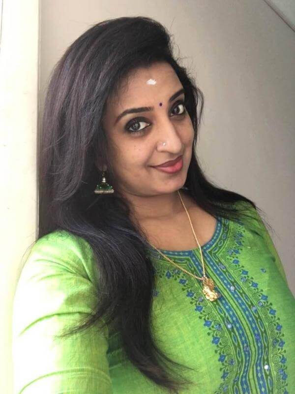 Sona Nair Sexy Eyes Pics