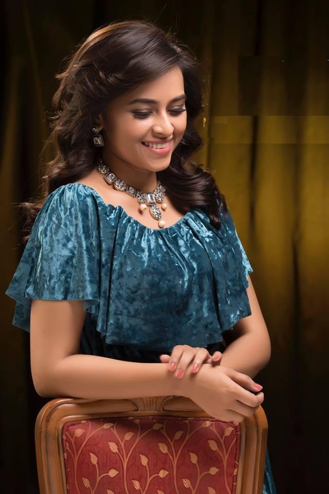Sri Divya HD Pics