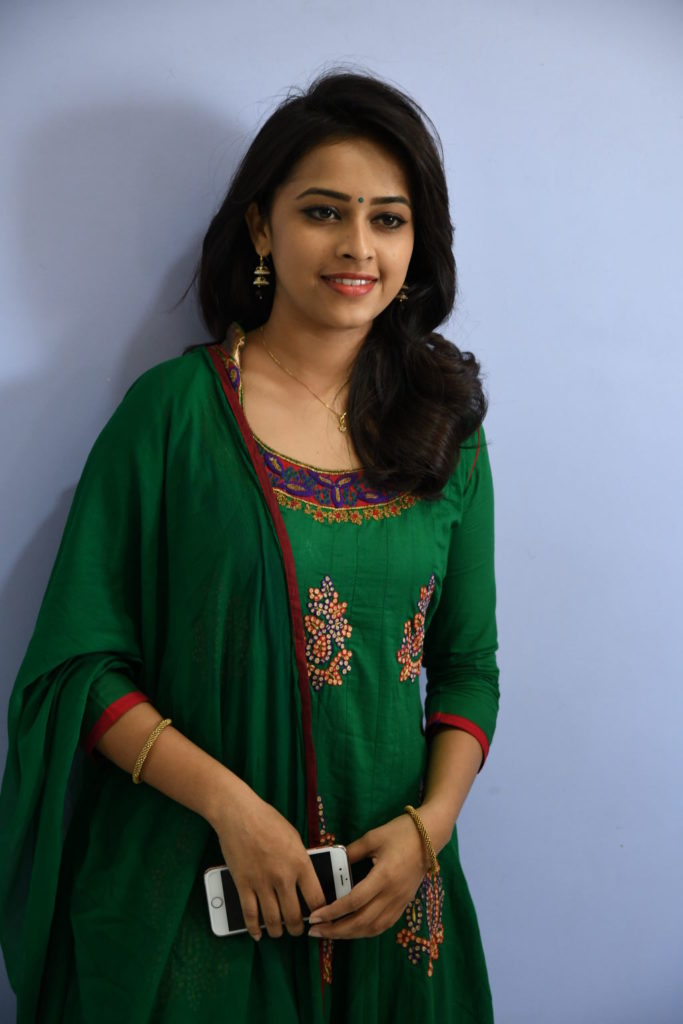 Sri Divya HD Sexy Pictures