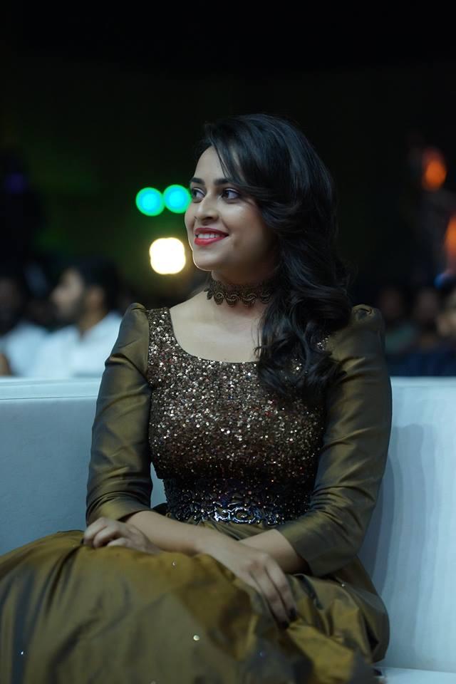 Sri Divya Hot Images At Award Show