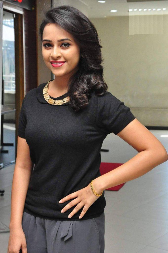 Sri Divya Latest Full HD Pics