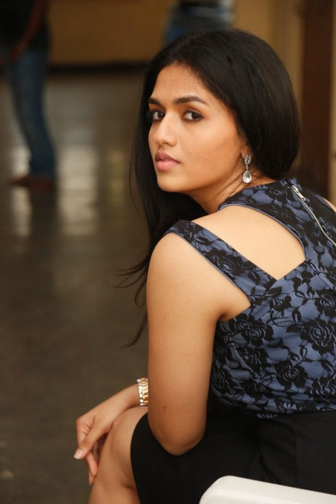 Sunaina Hot Pictures In Backless Clothes