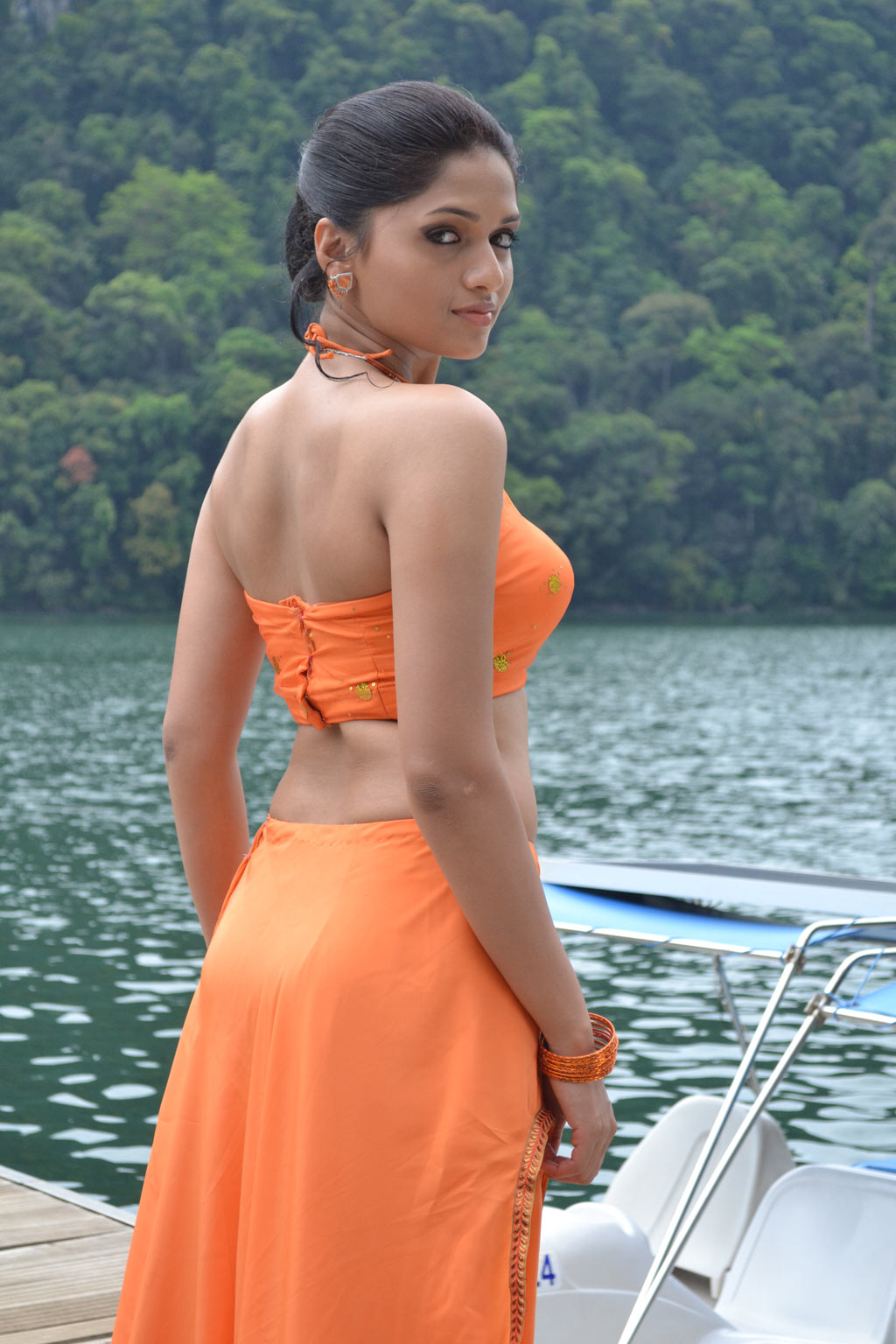 30  Sunaina Hot Latest Hd Pictures Images In Short Cloths
