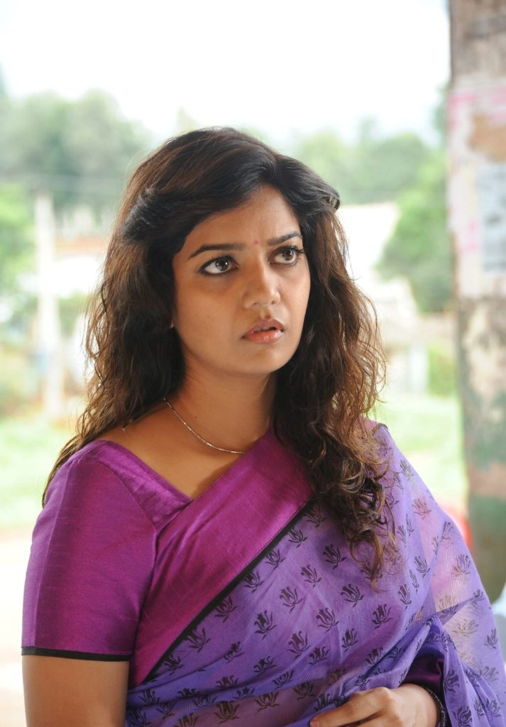 Swathi Reddy Hot Images In Saree