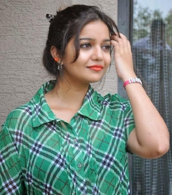 Swathi Reddy Latest Hair Style Images
