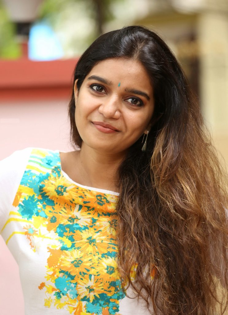 Swathi Reddy Royal Look Images