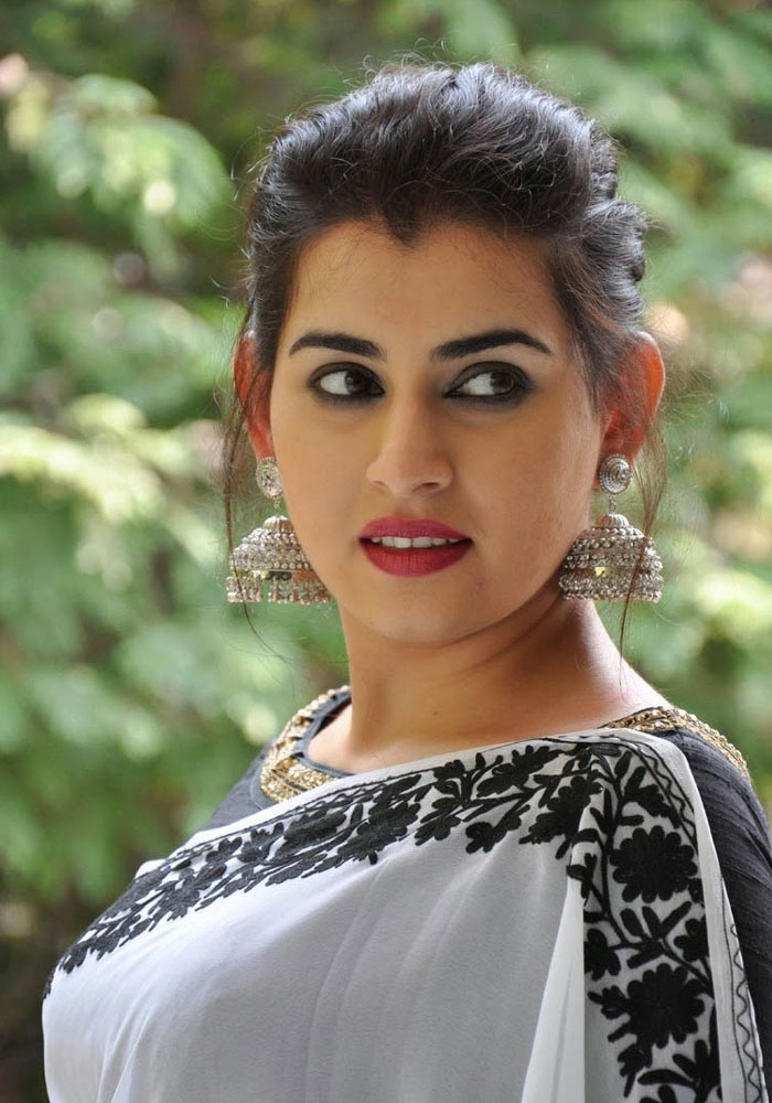 Sweet Archana HD Images