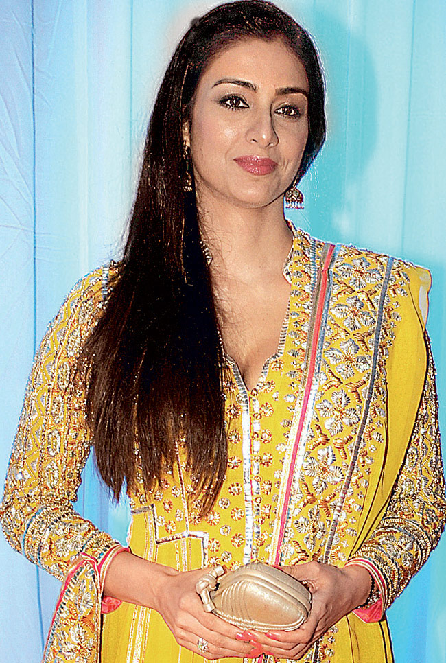 Tabu Cute Pics In Salwaar