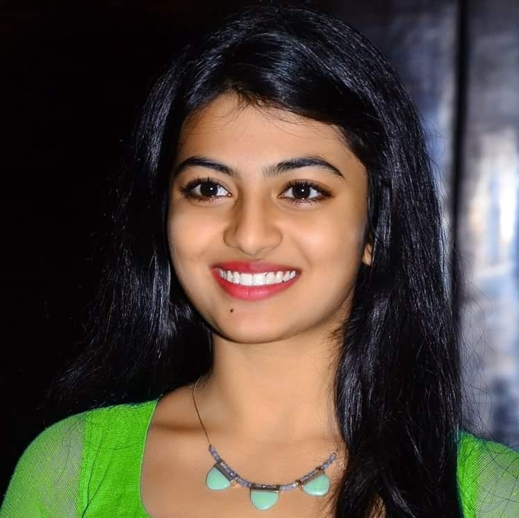 Anandhi Cute Smiling Pics