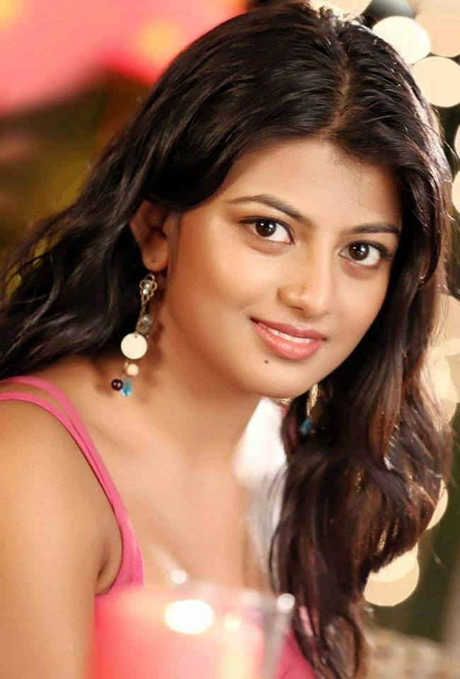 Anandhi HD Sexy Pics Gallery