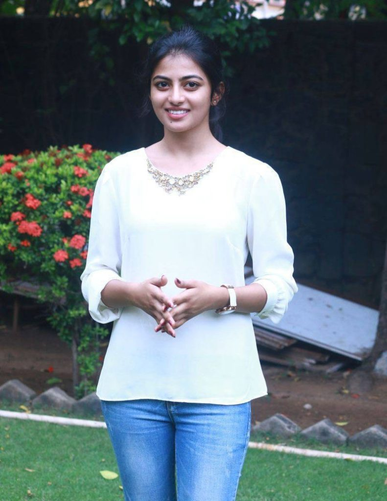 Anandhi Hot HD Sexy Pics In Jeans Top
