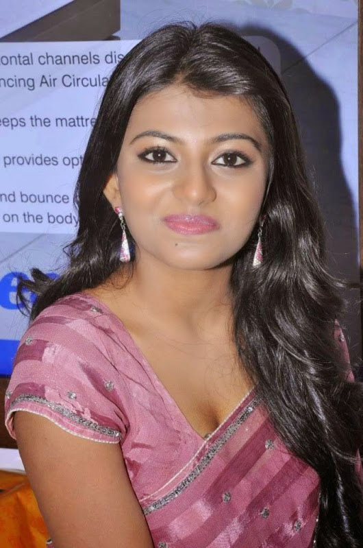 Anandhi Photos