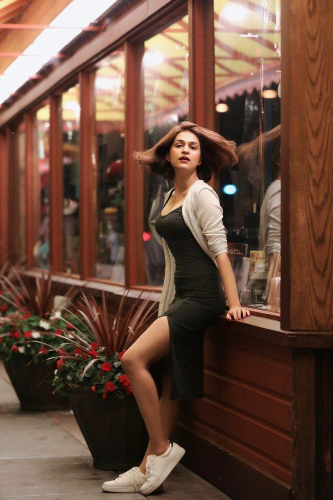 Beautiful Actress Shraddha Das Hot Pics