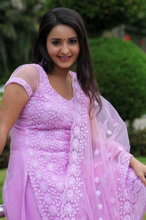 Bhama Hot HD Sexy Pictures