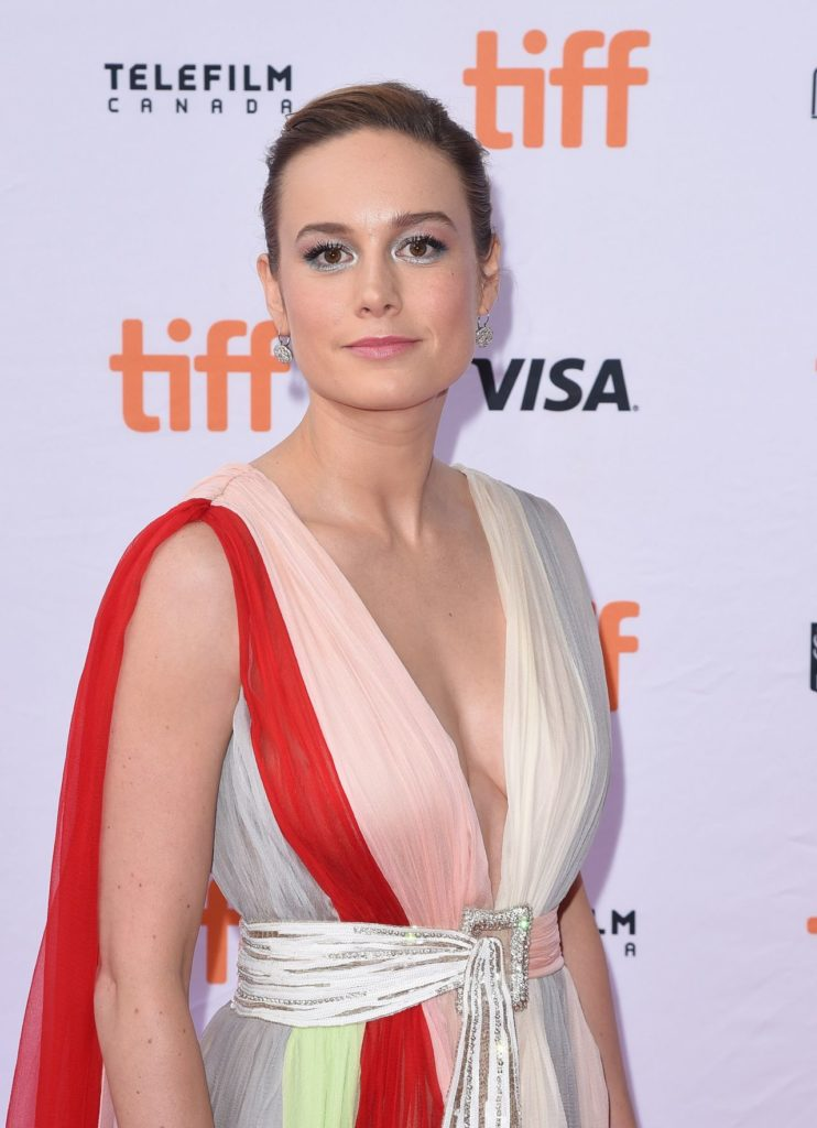 Brie Larson Photoshoots At Event