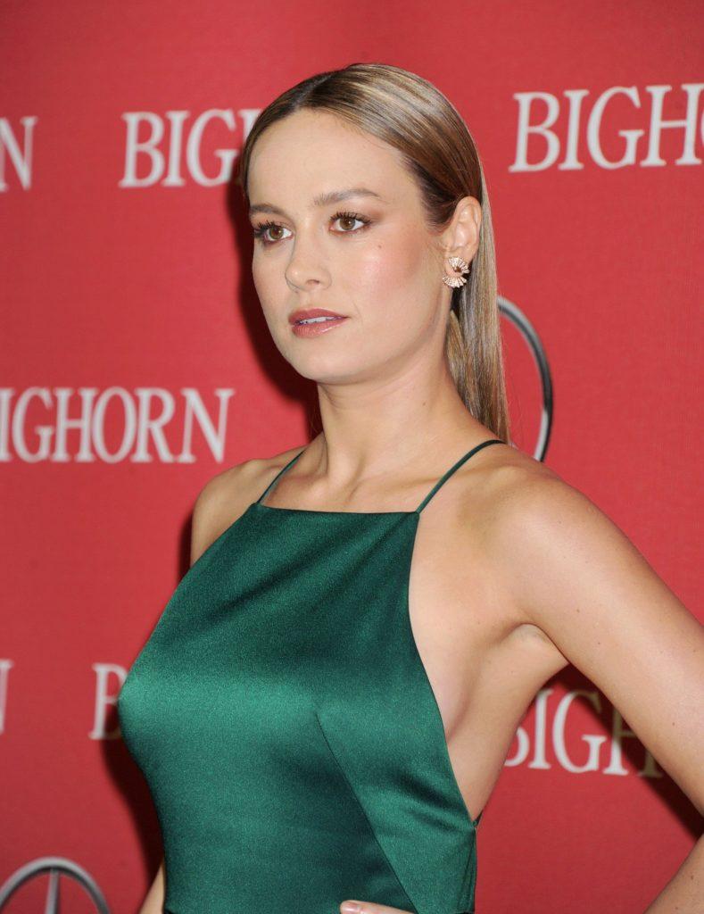 Brie Larson Pics At Award Show