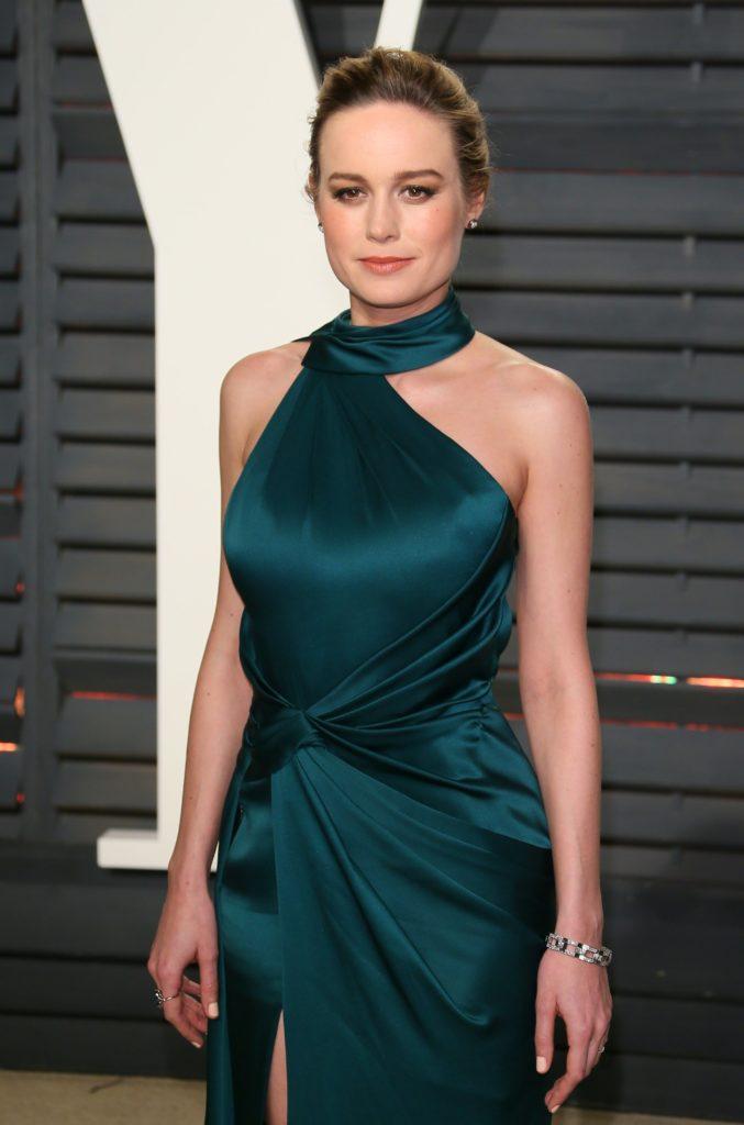 Brie Larson Scenic Wallpapers