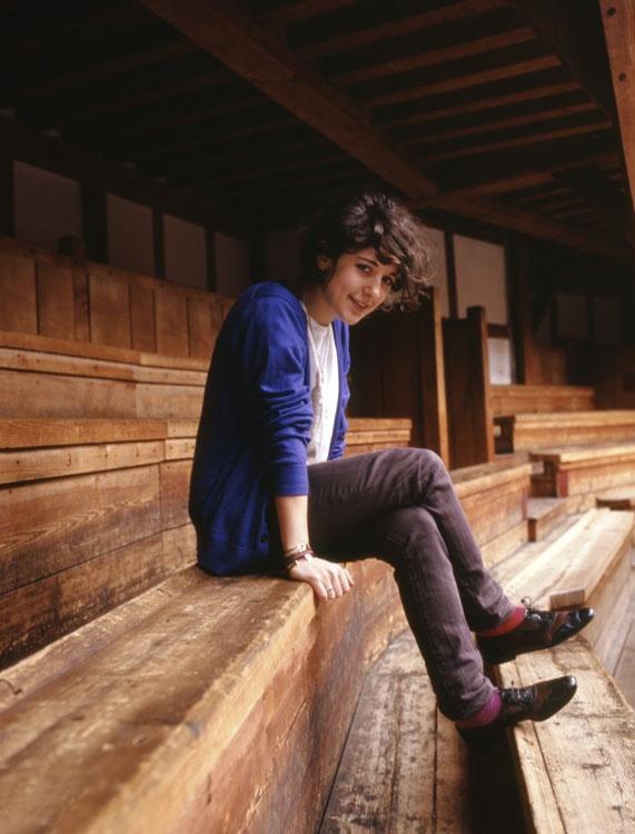 Ellie Kendrick Photos In Jeans Top