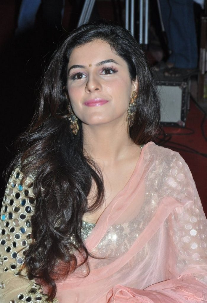 Isha Talwar HD Photoshoot Download