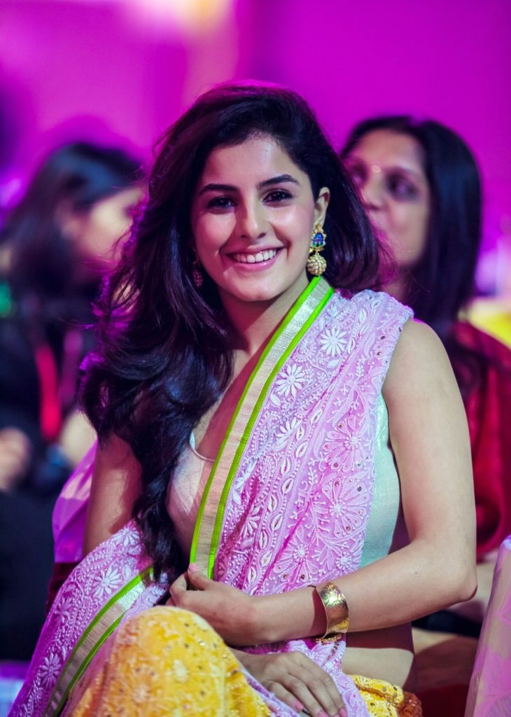 Isha Talwar Hot Images In Saree