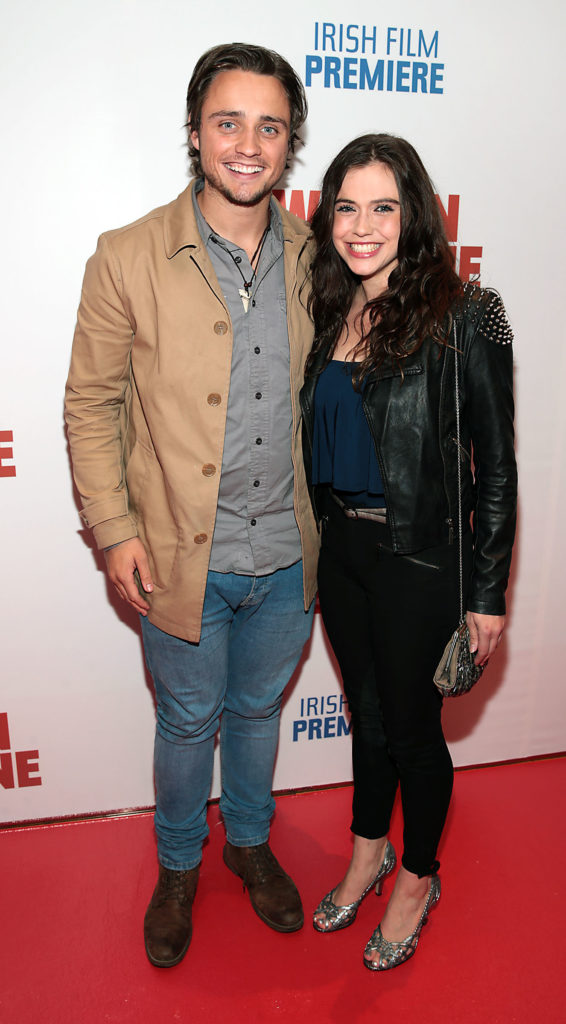 Jennie Jacques Pics With His Boyfriend At Award Show