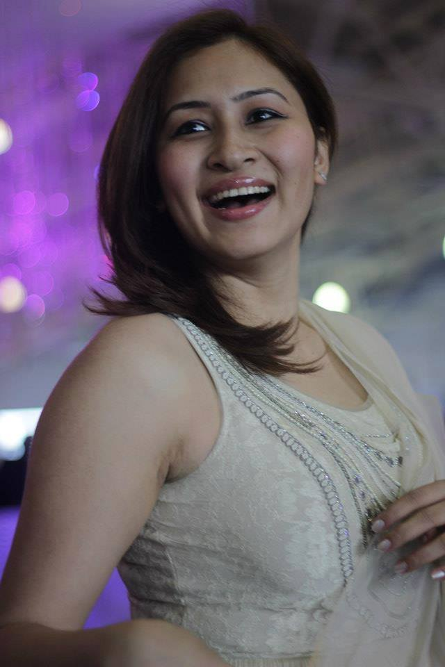Jwala Gutta Hot Pictures In Shorts New Hd Images-4190