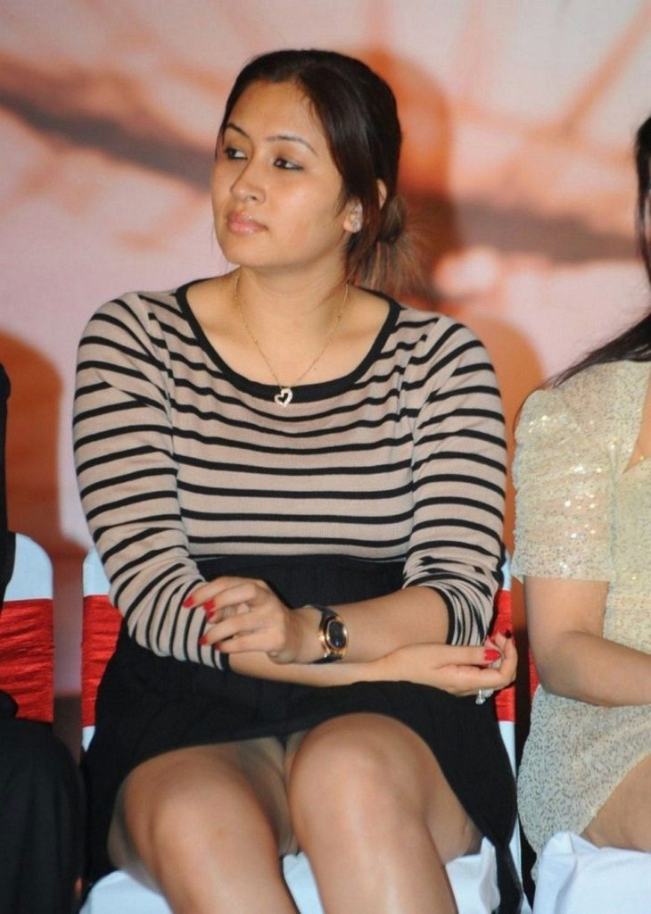 Jwala Gutta Hot HD Sexy Thigh Pictures