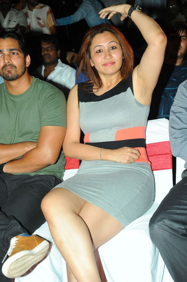 Jwala Gutta Hot Images In Shorts