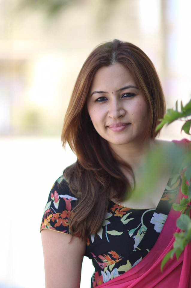 Jwala Gutta Hot Photos In Saree