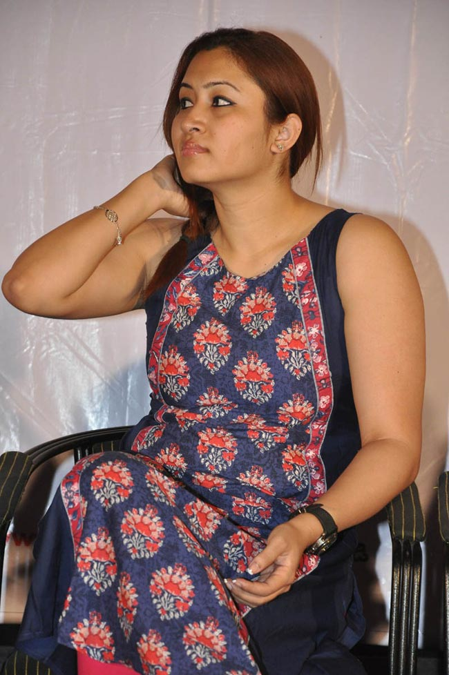 Jwala Gutta Hot Pictures In Shorts New HD Images
