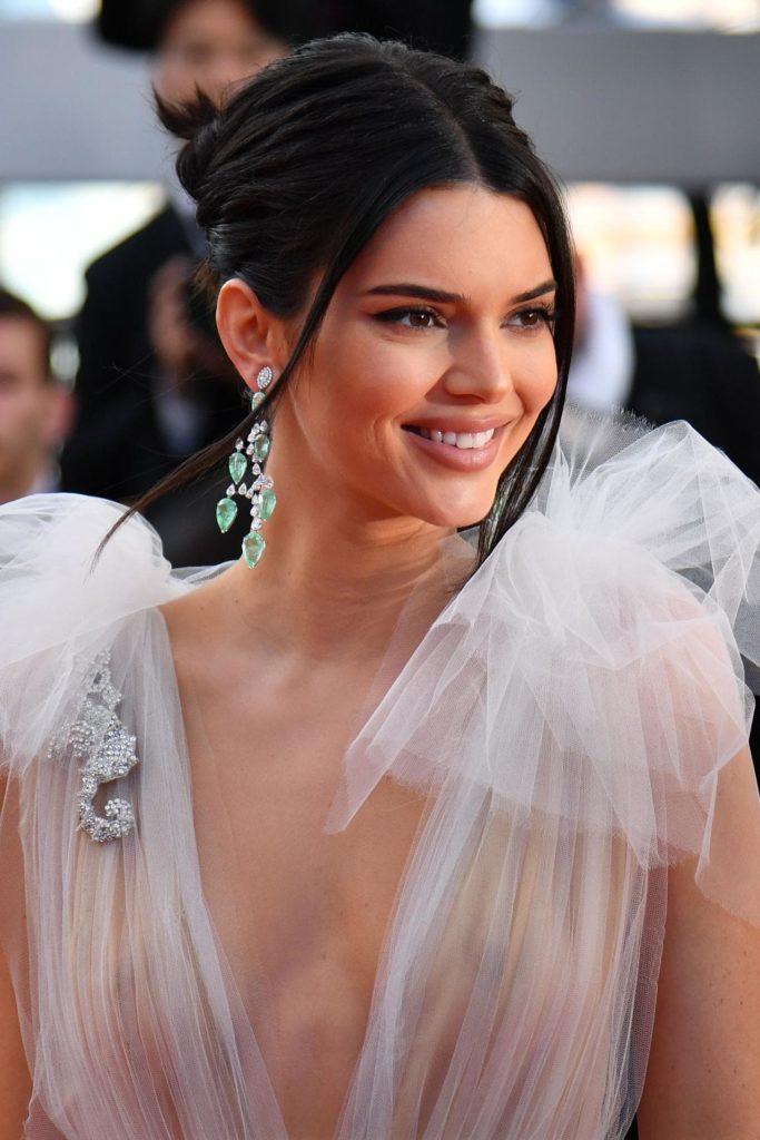 Kendall Jenner Hot Photos