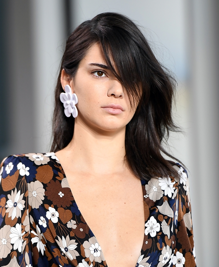 Kendall Jenner Photos At Award Show