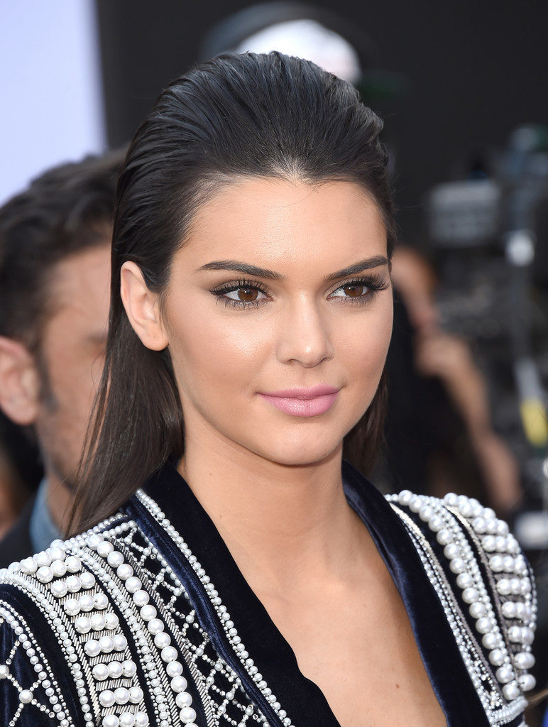Kendall Jenner Sizzling Wallpapers