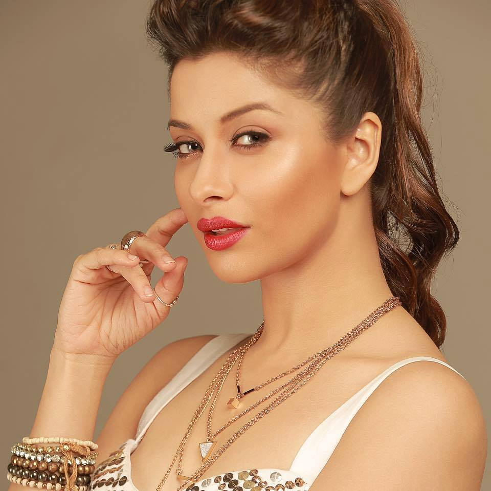 Madhurima New Hair Style Pictures