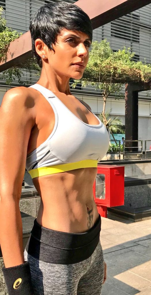 Mandira Bedi Spicy Navel Images In Gym Clothes