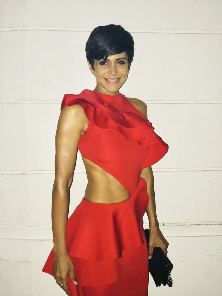 Mandira Bedi Spicy Navel Showing Pics